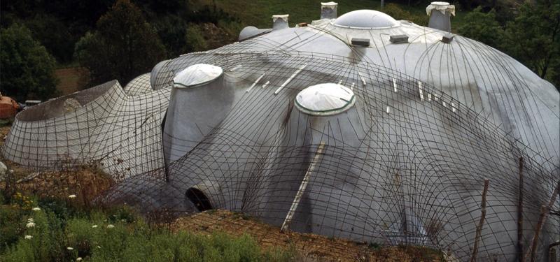 jupe enterrée maison bulle antonio benincà