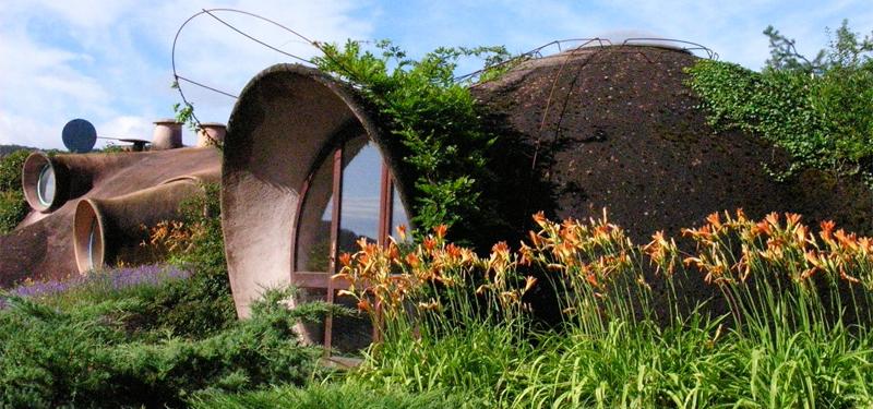 maison bulle Antonio Benincà intégrée dans le paysage
