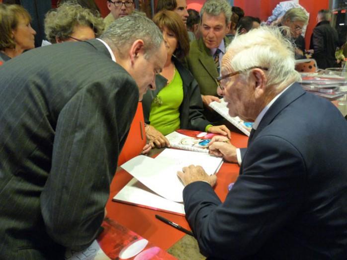 dédicasse Pierre Cardin