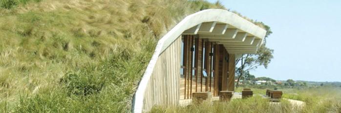maison-bioclimatique-integree-au-paysage