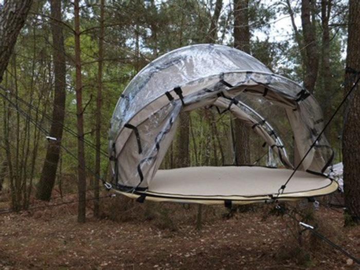 ce n est pas une tente c est un igloo. Black Bedroom Furniture Sets. Home Design Ideas