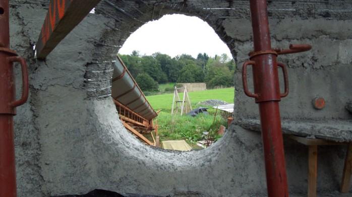 béton-armé-maison-bulle-tercillat-chantier-participatif