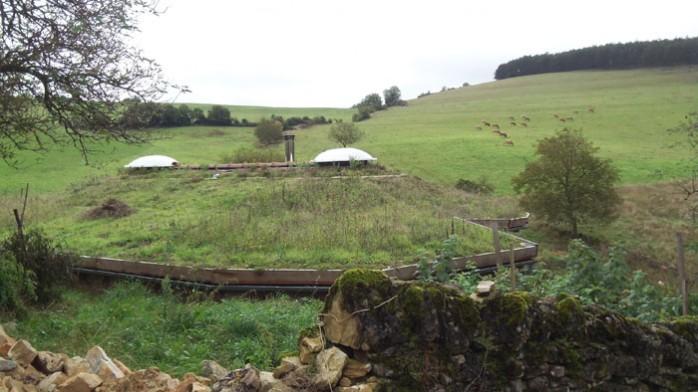 maison-ronde-enterrée-ferme-vispens