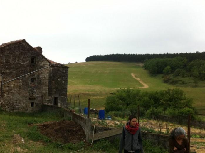 maison-ronde-terrain-ferme-vispens