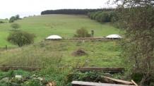 maison-ronde-toiture-végétalisée-ferme-vispens