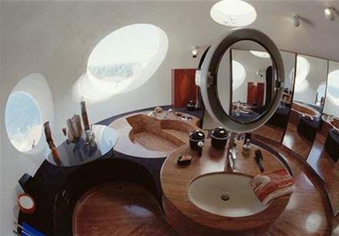 salle de bain dans le hamac suspendu