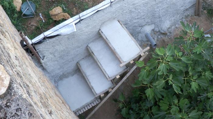 d couvrez comment r aliser un escalier suspendu. Black Bedroom Furniture Sets. Home Design Ideas