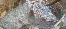 ouverture oculus entre palier d'entrée en haut et salon en bas