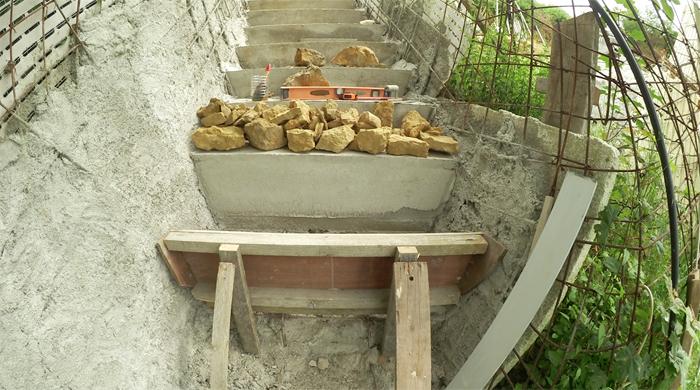 bilan-06-2016-02-betonnage-escalier-exterieur-02-700