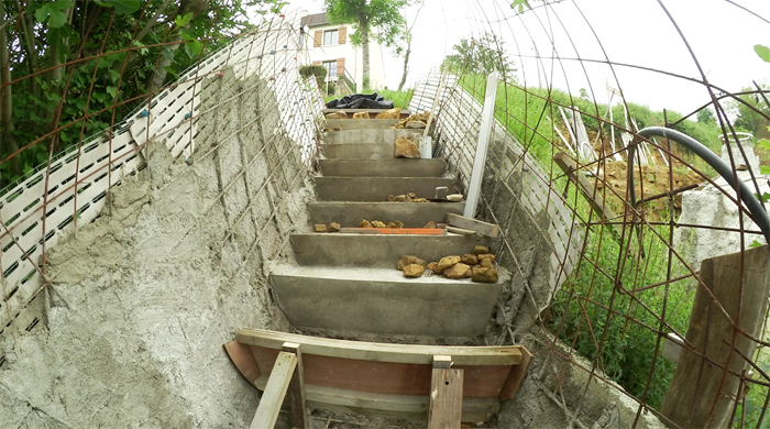 bilan-06-2016-03-betonnage-escalier-exterieur-03-700