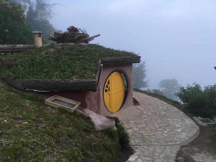 maison hobbit jaune hobbitenango
