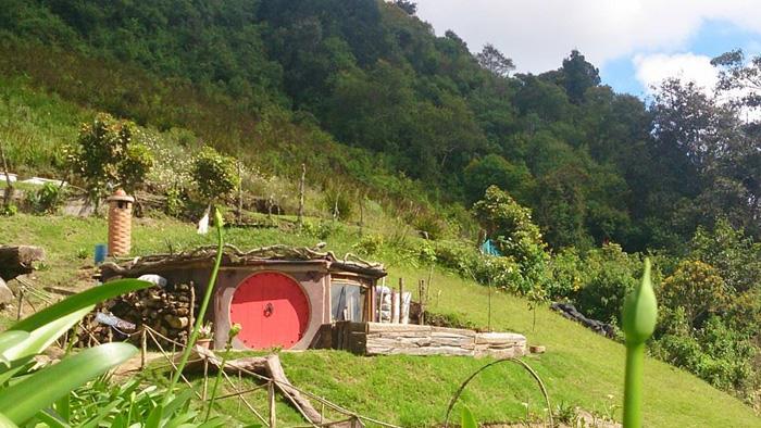 maison hobbit rouge hobbitenango