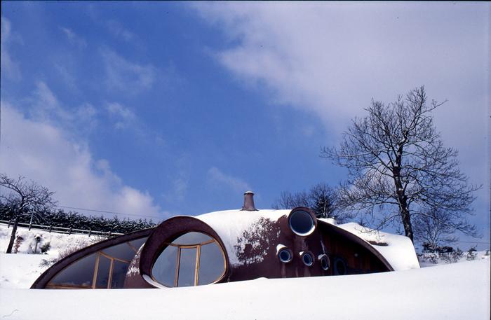 maison bulle Marc sous la neige