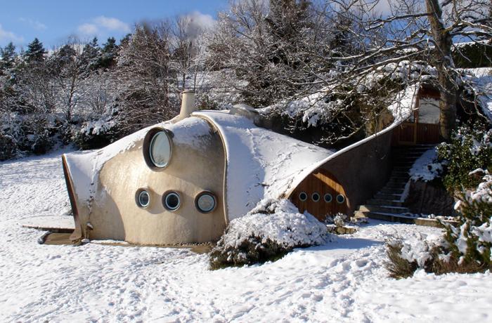 il neige a la maison bulle de Marc