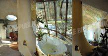 cheminée et baignoire maison bulle Cote d'Or