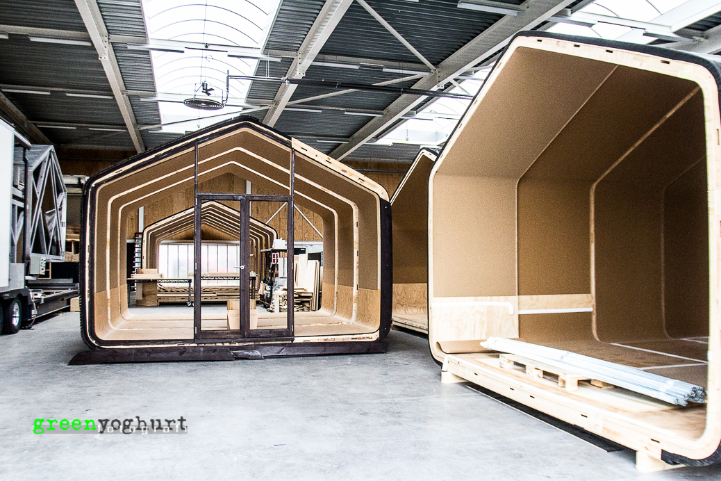 Wikkelhouse maison en carton 1989 entreprise hollandaise designers studio fiction factory - Fabrication maison en carton ...